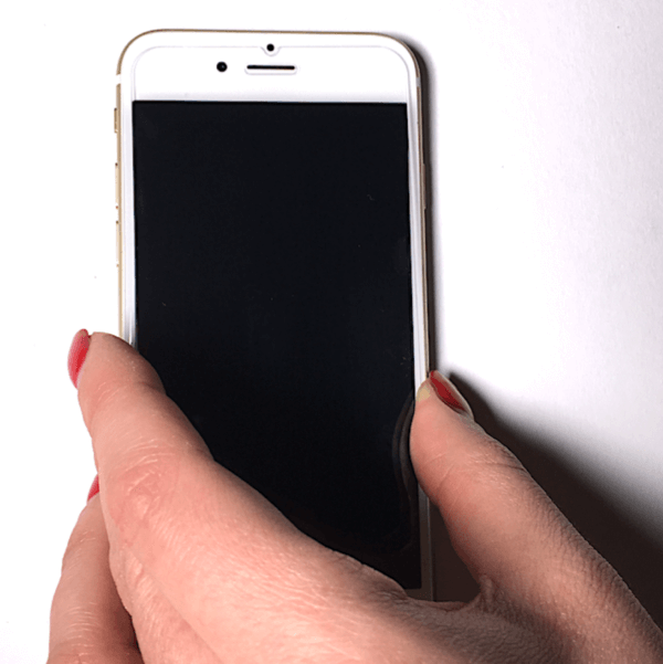 Folie auf dem Smartphone platzieren